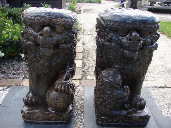 Large Temple Lions(Fu Dogs) (click to enlarge)